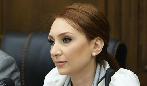 Լիլիթ Մակունց
